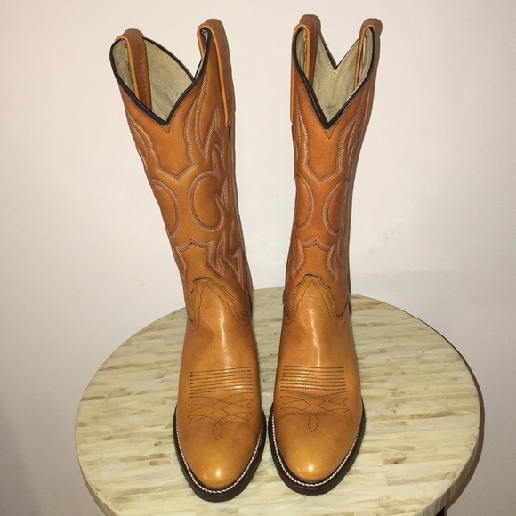 7f9cf77cc Frye Shoes | Western Women Cowgirl Leather Boots Size 65 | Poshmark